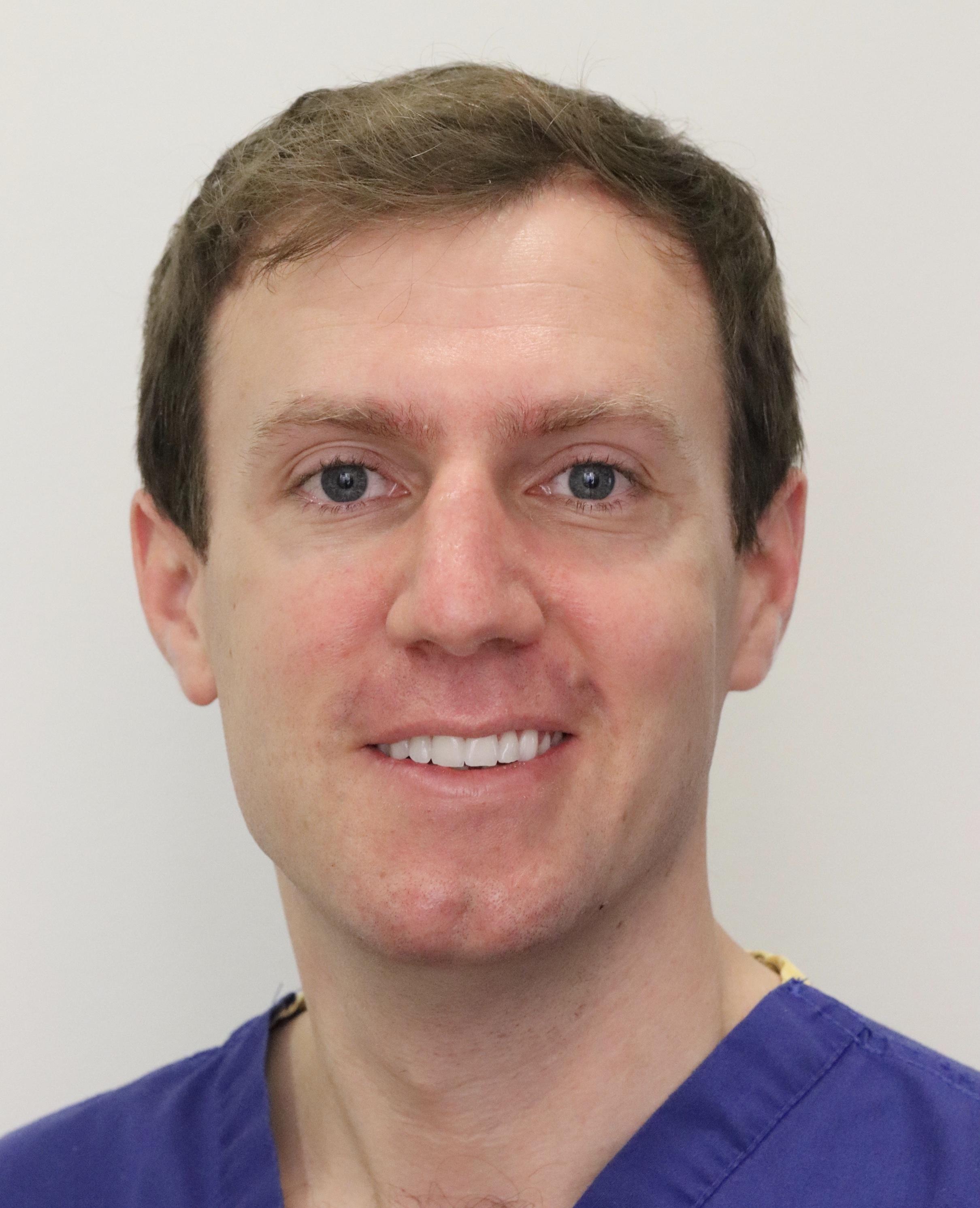 Dr. Ian Reynolds